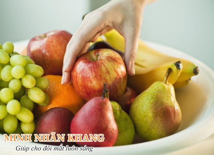 Chất chống oxy hóa trong trái cây giúp bảo vệ điểm vàng khỏi thoái hóa